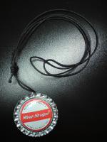 Red-Stripe Kronkorken- Halskette